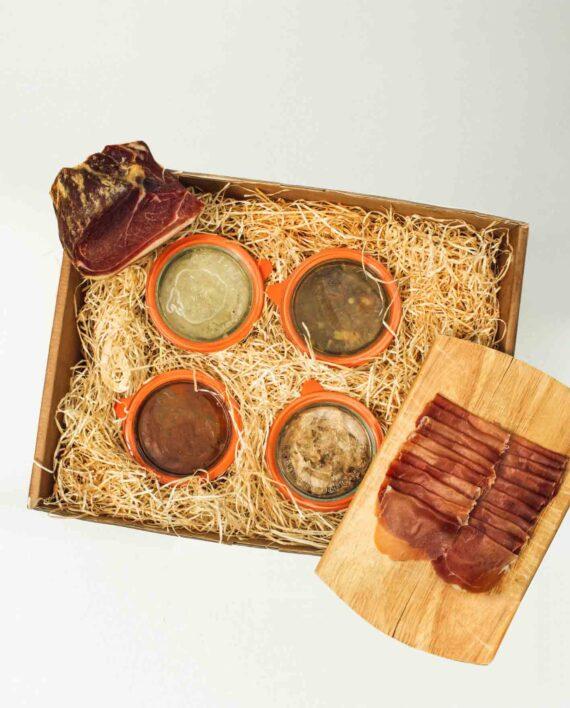 Gourmet-Geschenk mit hochwertigen Fleischprodukten in einer Box zum Verschenken