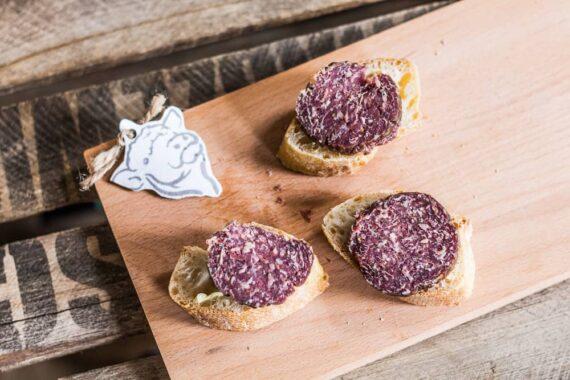 Galloway-Salami-Scheiben auf dem Brot